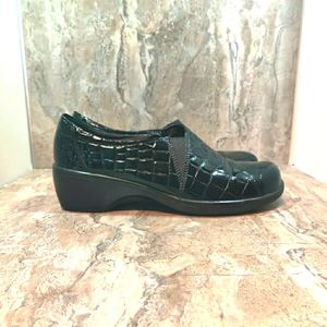 Clarks professional clogs size 9